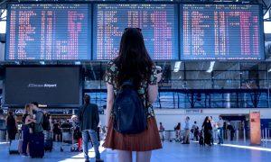 Dormir en el aeropuerto: consejos
