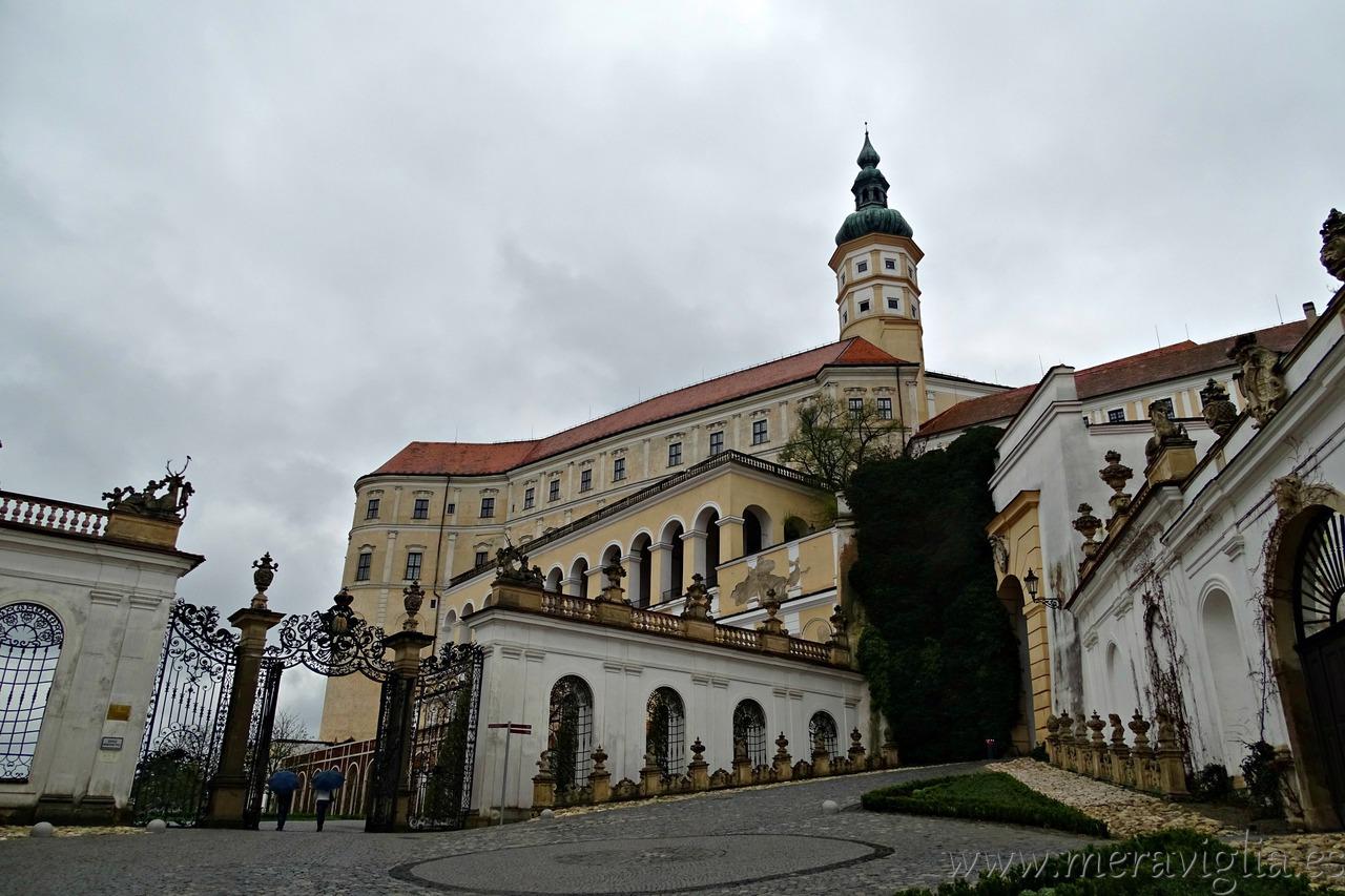 castillo mikulov
