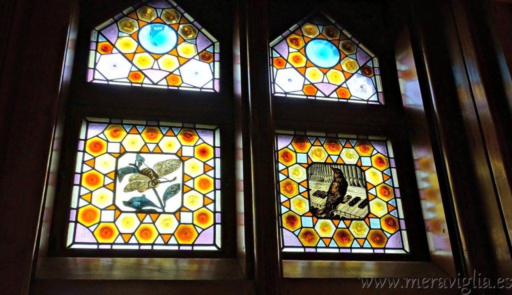 Vidrieras del Capricho de Gaudi, Comillas