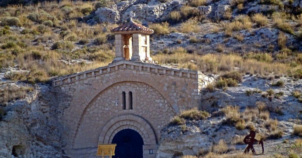 Ermita barrio minero de Libros