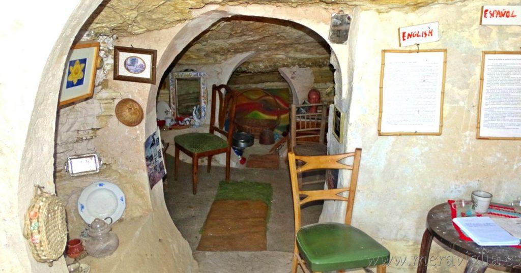 Las casa cueva de Libros