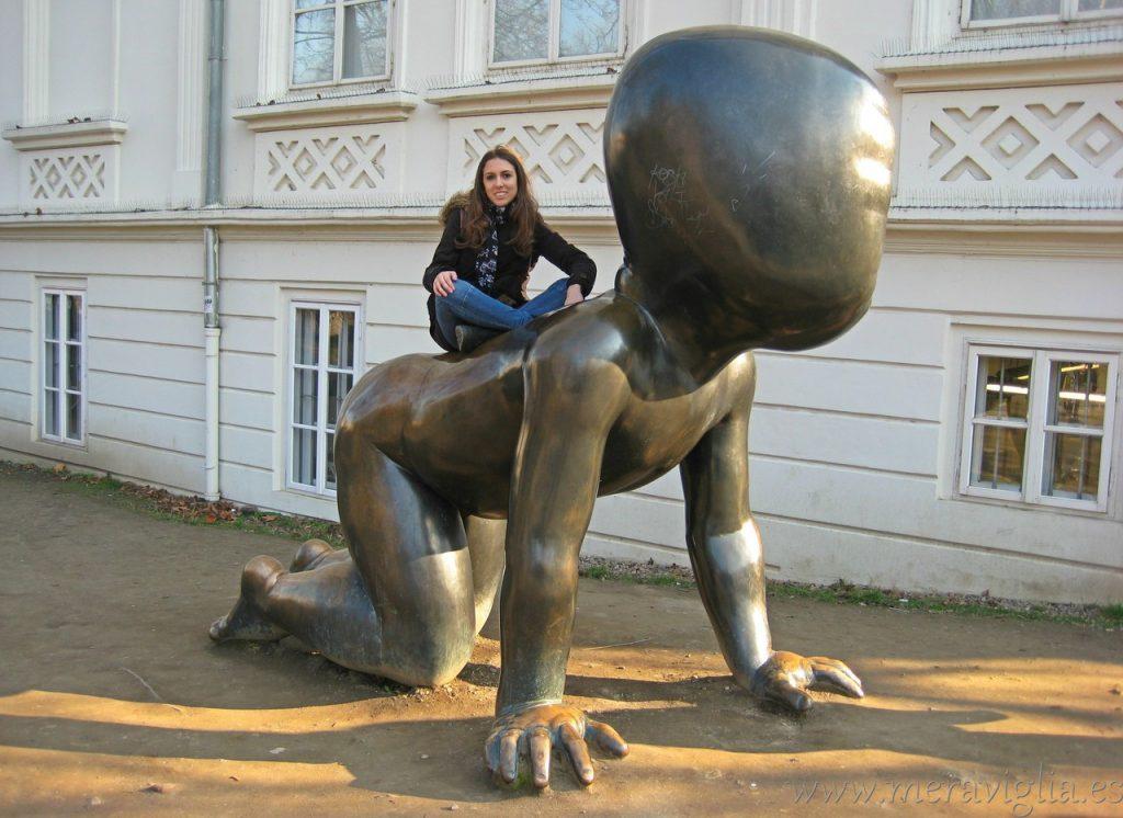 Bebe gigante de David Czerny