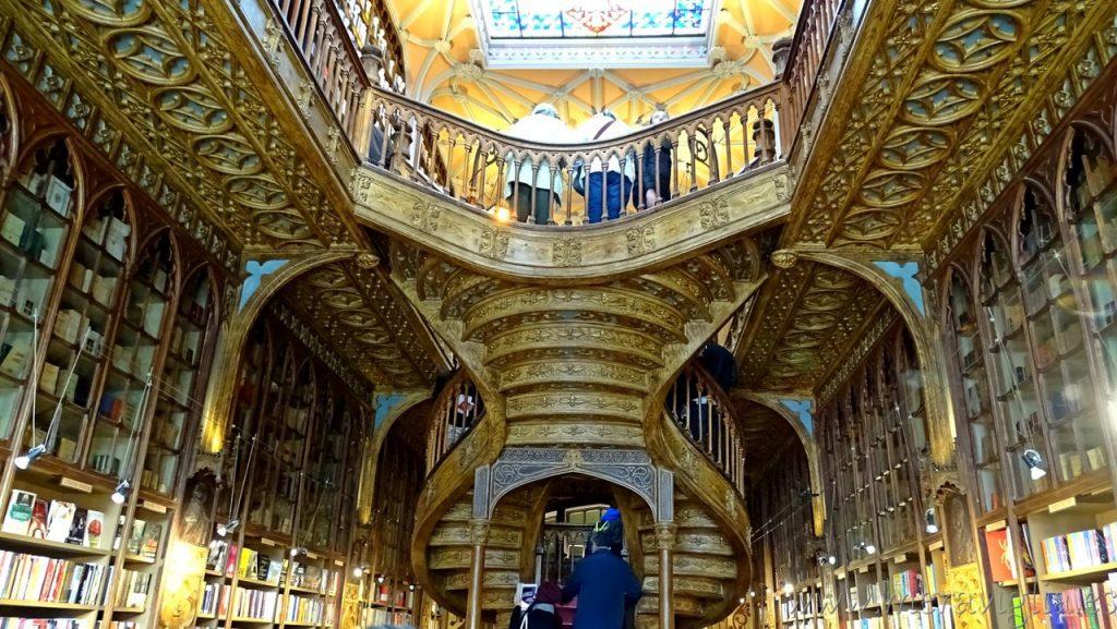 Interior de la Libra Lello, Oporto