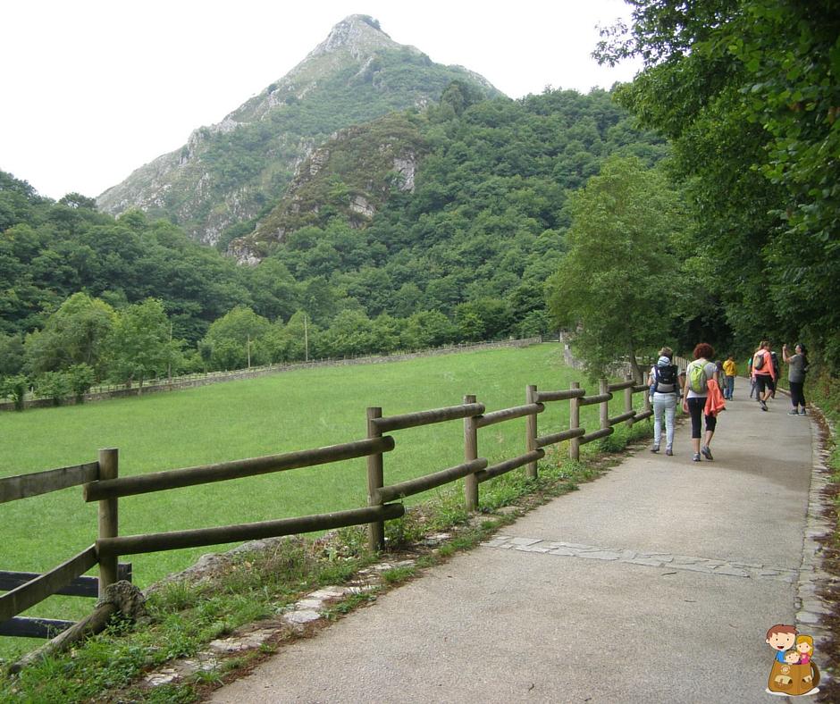 La ruta del alba el trasgu la fronda parque natural de redes senderismo con niños en Asturias (2)