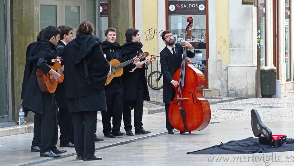 Tuna en las calles de Coimbra