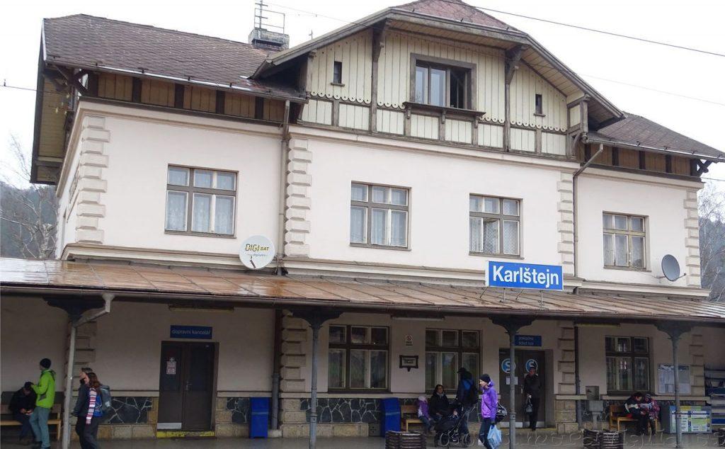 Tren a Karlstein