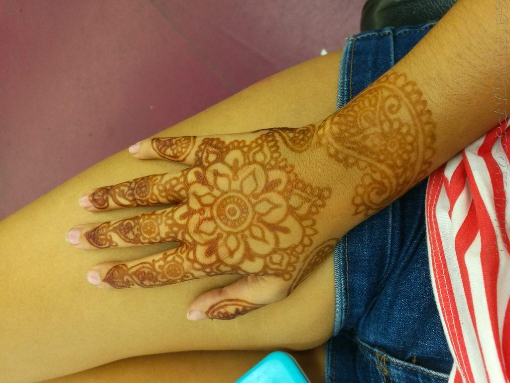 tatuaje de henna marrakech