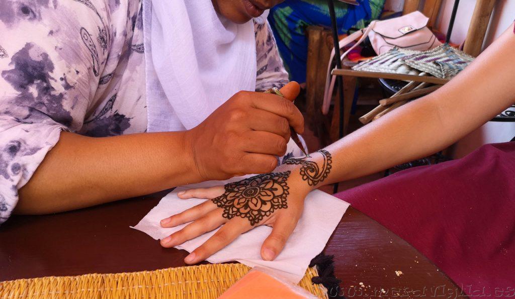 hacerse un tatuaje en marrakech