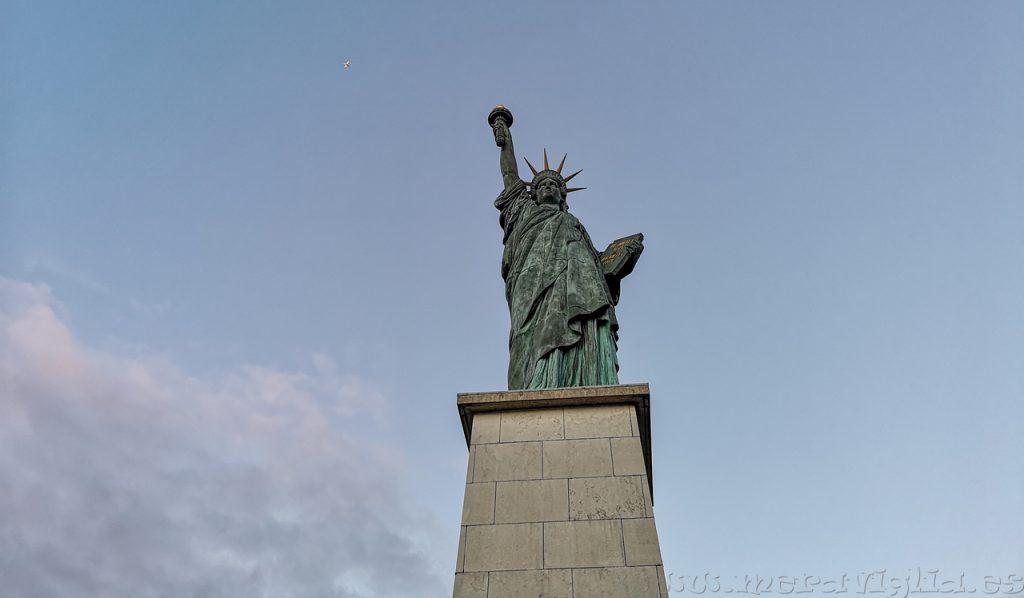 Estatua de la Libertad, Sena Paris