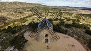 Los molinos de viento y las trincheras de Alcublas, Valencia