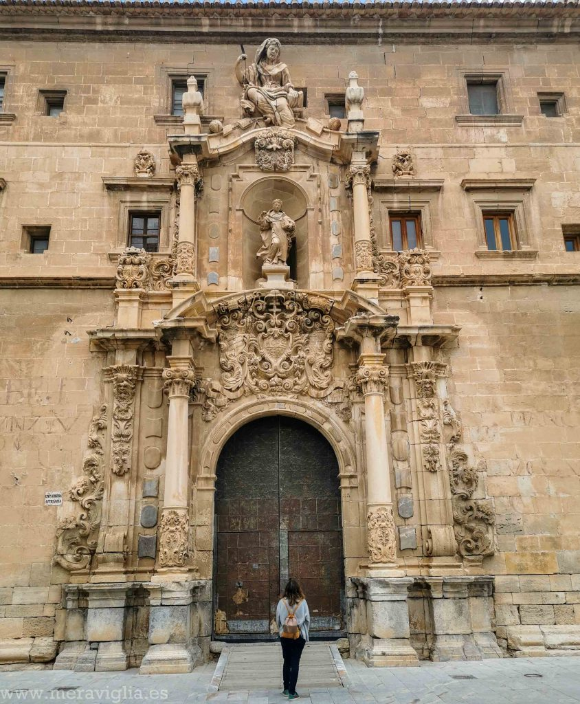 Portada del Colegio Diocesano Santo Domingo, Orihuela (Alicante)