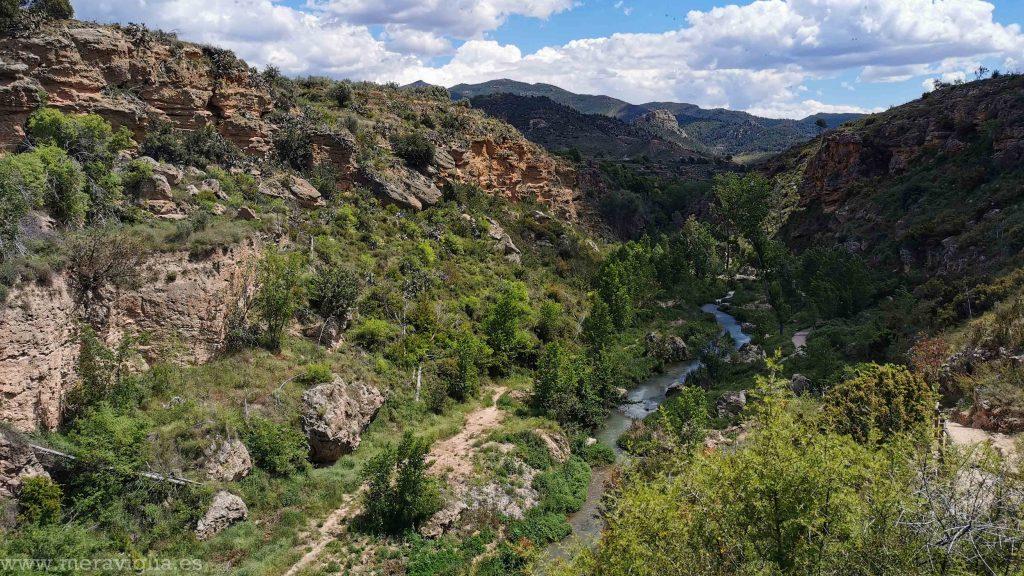 Vistas de la ruta de Chelva a Calles, Valencia.