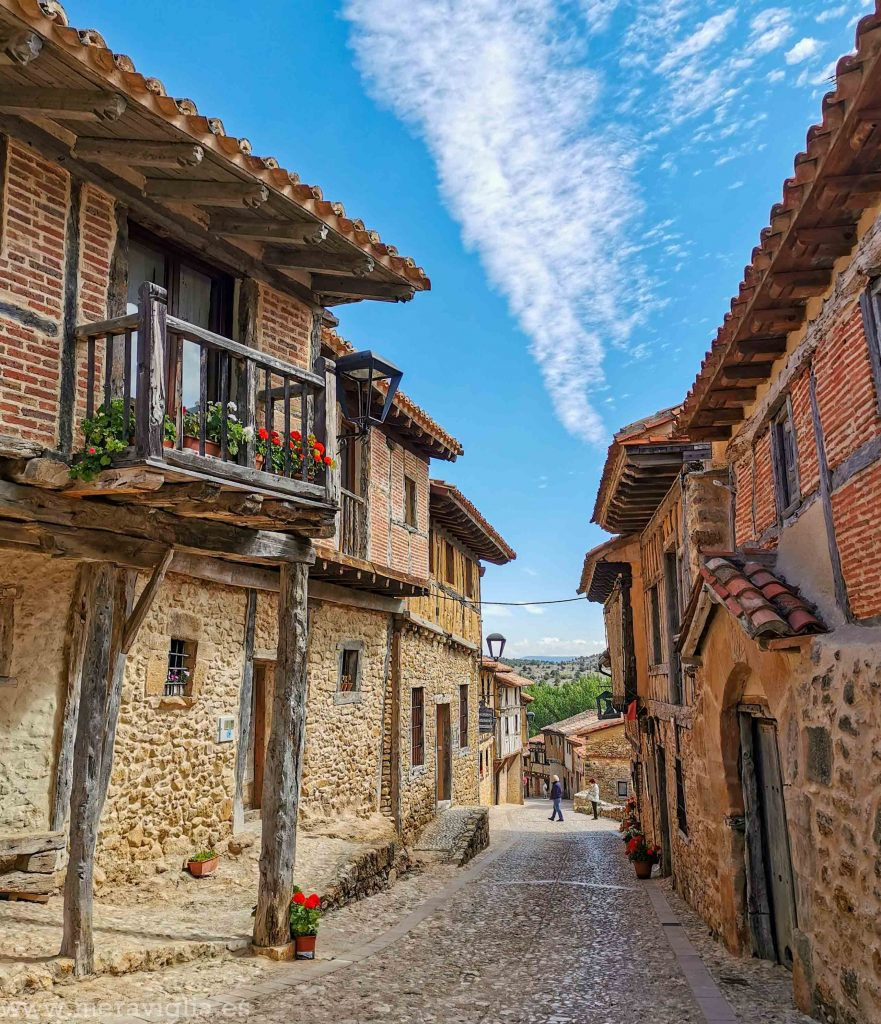 Calle de Calatañazor, Soria