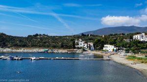 Vistas a la Cala de Porlligat y la Casa-Museo de Dalí